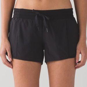 lululemon Hotty Hot Short * LONG size 4 black